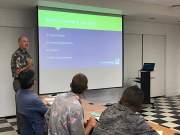 MEDB Director of Business Development, Gerry Smith takes Ka Ipu Kukui fellows through their pitches in preparation for Project Weekend